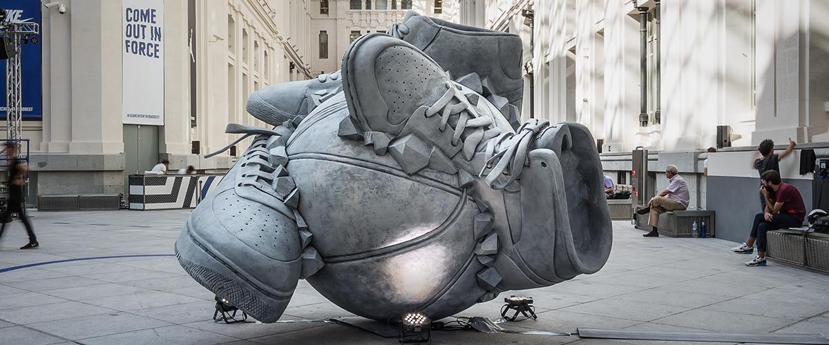 Памятники обуви
